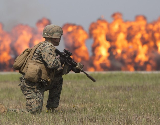 دام برس : دام برس | أميركا ستحتاج لأكثر من 100 ألف جندي لغزو فنزويلا